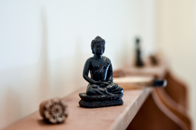 Relaxing decoration item, Buddha statue at Under Pressure Massage Barcelona